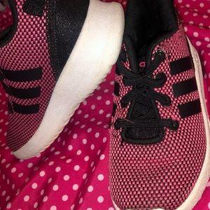 Girl sneaker size 7 adidas